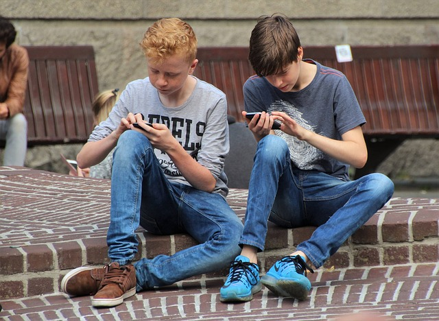 Bezorgdheid over schermgebruik ook bij jongeren zelf